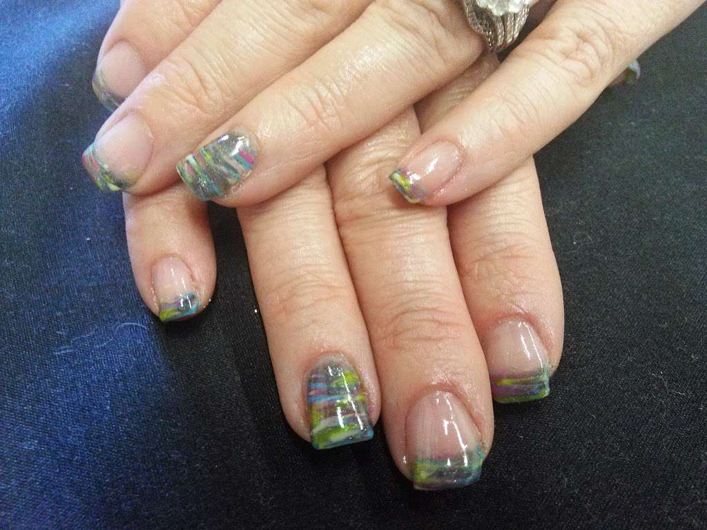 Pedi Lounge Nail Salon & Spa - hair care  | Photo 8 of 10 | Address: 1827 N Madison Ave Suite B, Anderson, IN 46011, USA | Phone: (765) 393-0015