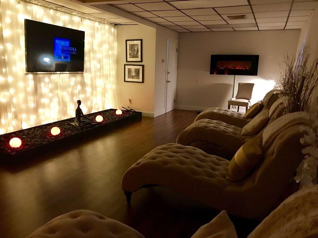 Therapeutic Massage & Wellness - spa    Photo 5 of 10   Address: 40 Lake Ave Ext Suite B, Danbury, CT 06811, USA   Phone: (203) 826-3355