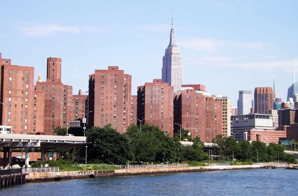 East River Promenade - park    Photo 3 of 10   Address: East River Promenade, New York, NY 10002, USA