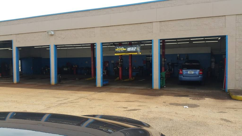 Pep Boys Auto Service & Tire - Formerly Just Brakes - car repair  | Photo 6 of 10 | Address: 3327 W Colonial Dr, Orlando, FL 32808, USA | Phone: (407) 521-8111