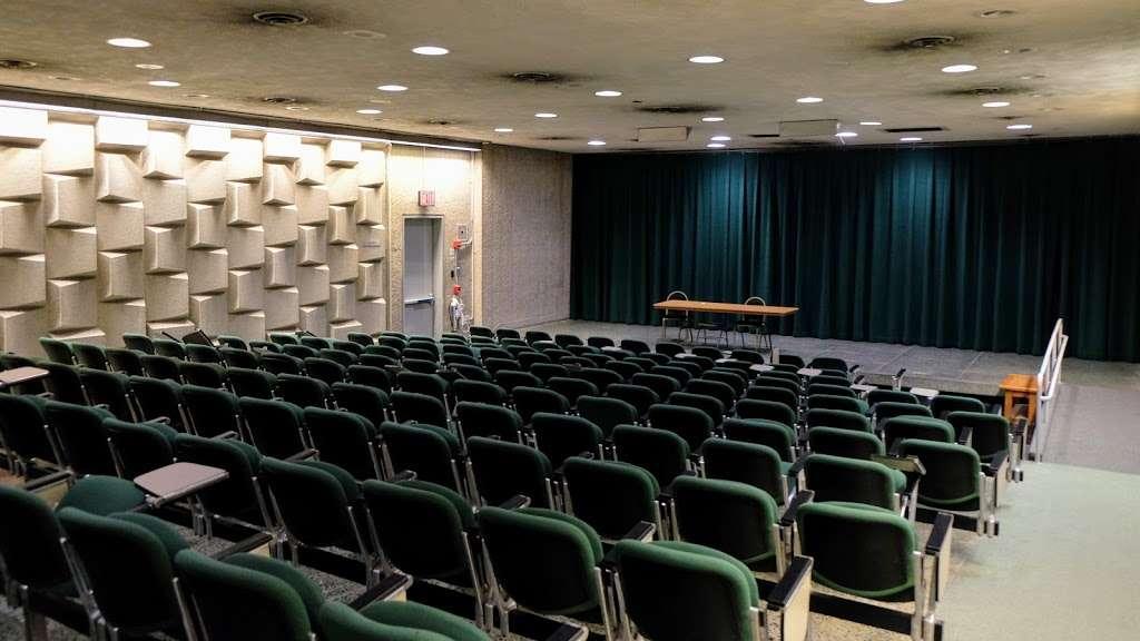Meister Hall - school  | Photo 1 of 10 | Address: 161 W 180th St, Bronx, NY 10453, USA
