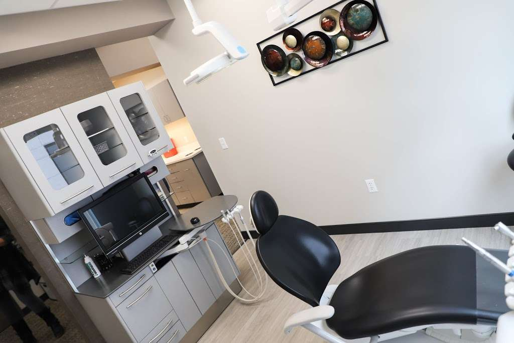 Staley Smiles Dental Care: Dr. Thomas Barton, DDS - dentist    Photo 2 of 7   Address: 9592 N McGee St, Kansas City, MO 64155, USA   Phone: (816) 453-0195