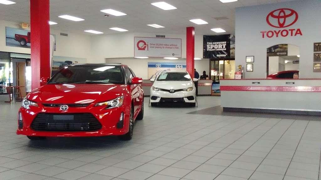 Palm Beach Toyota - car dealer  | Photo 6 of 10 | Address: 200 S Congress Ave, West Palm Beach, FL 33406, USA | Phone: (561) 701-9306