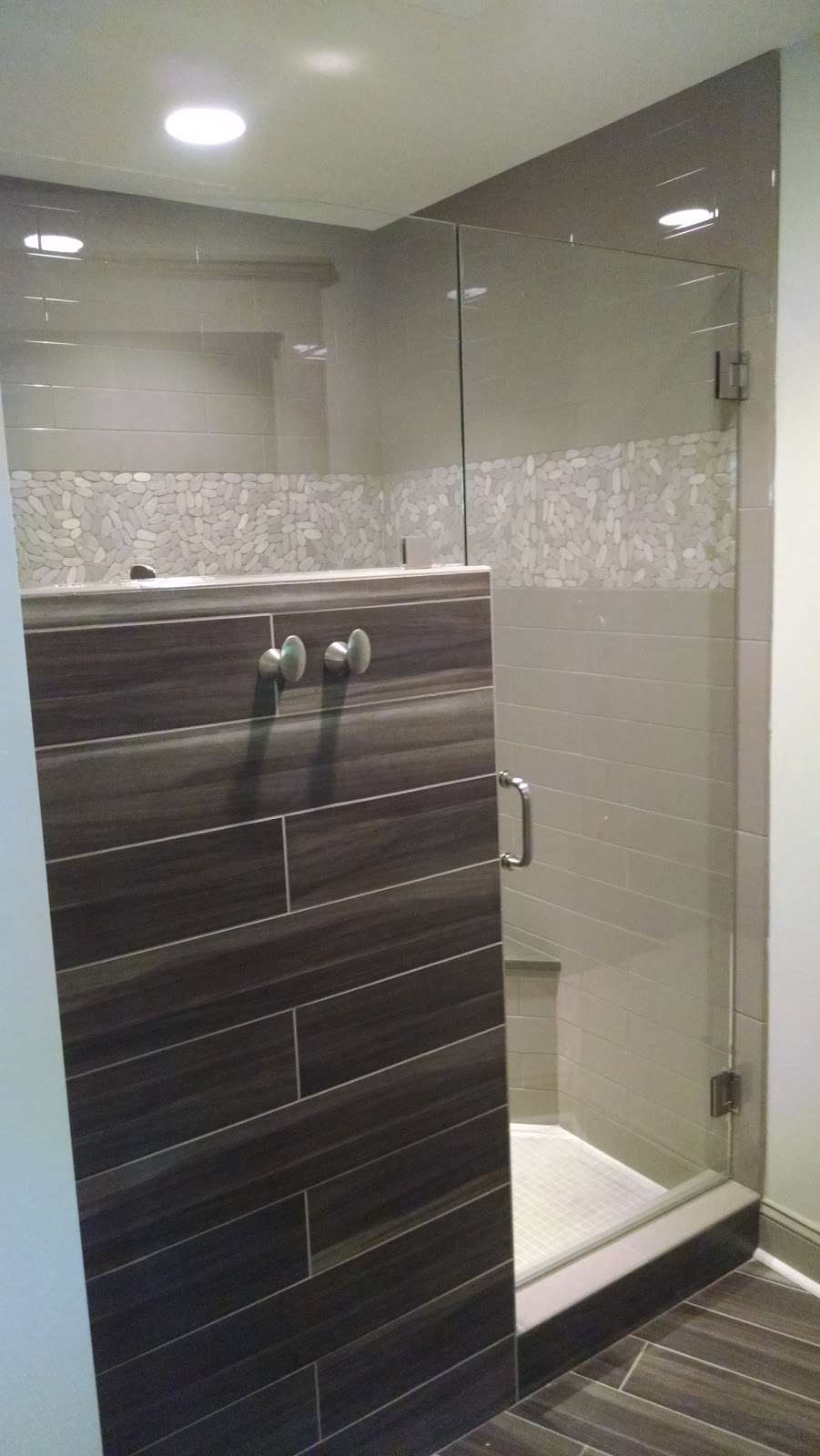 Iredell Glass & Mirror Inc -   | Photo 6 of 10 | Address: 1308 Barkley Rd N, Statesville, NC 28677, USA | Phone: (704) 872-8821