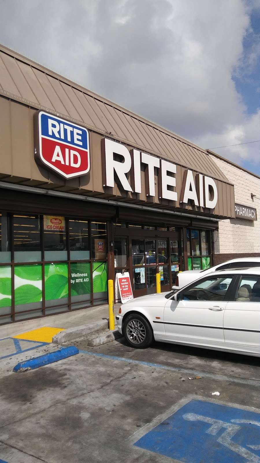 Rite Aid, 7 S Vermont Ave, Los Angeles, CA 7, USA
