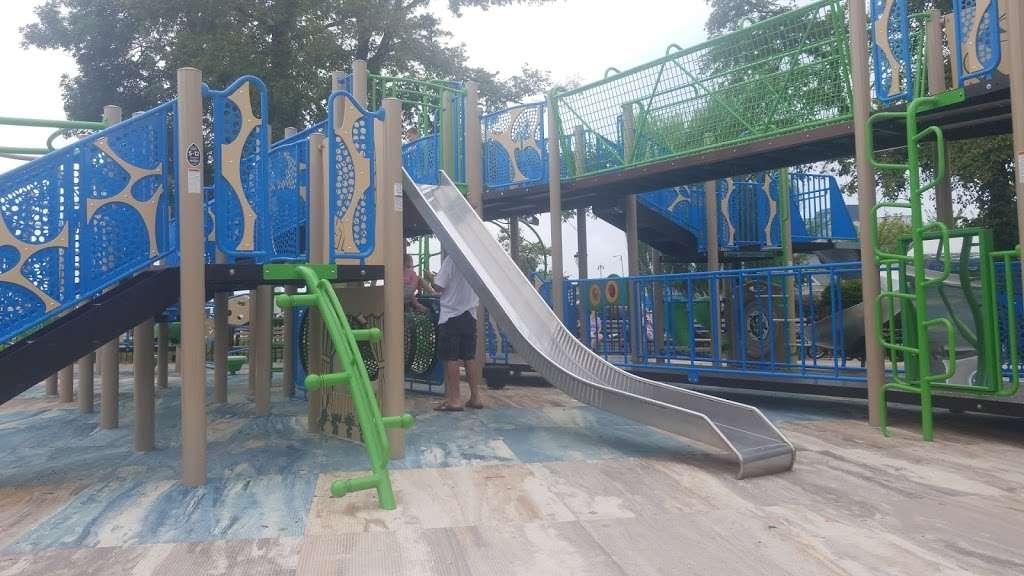 Asser Levy Park - park  | Photo 10 of 10 | Address: 302 Sea Breeze Ave, Brooklyn, NY 11224, USA | Phone: (212) 639-9675