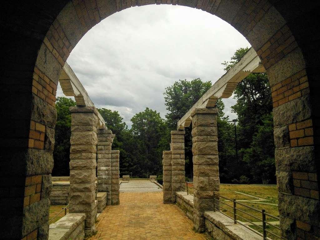 Greycourt State Park - park  | Photo 4 of 10 | Address: 37 Pleasant St, Methuen, MA 01844, USA | Phone: (978) 983-8545