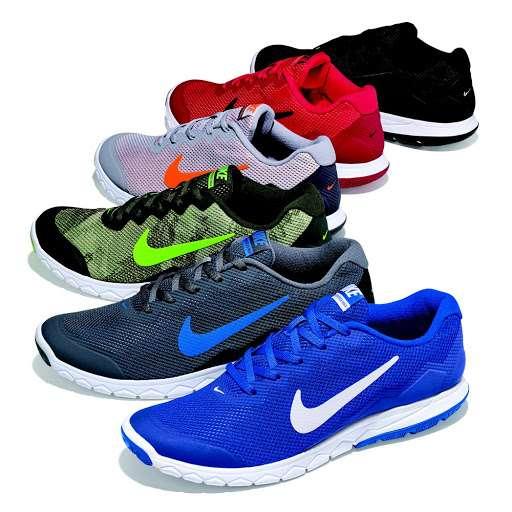 Famous Footwear - shoe store  | Photo 3 of 10 | Address: CROOKED RUN CENTER, 135 Crooked Run Plaza #130, Front Royal, VA 22630, USA | Phone: (540) 749-6096