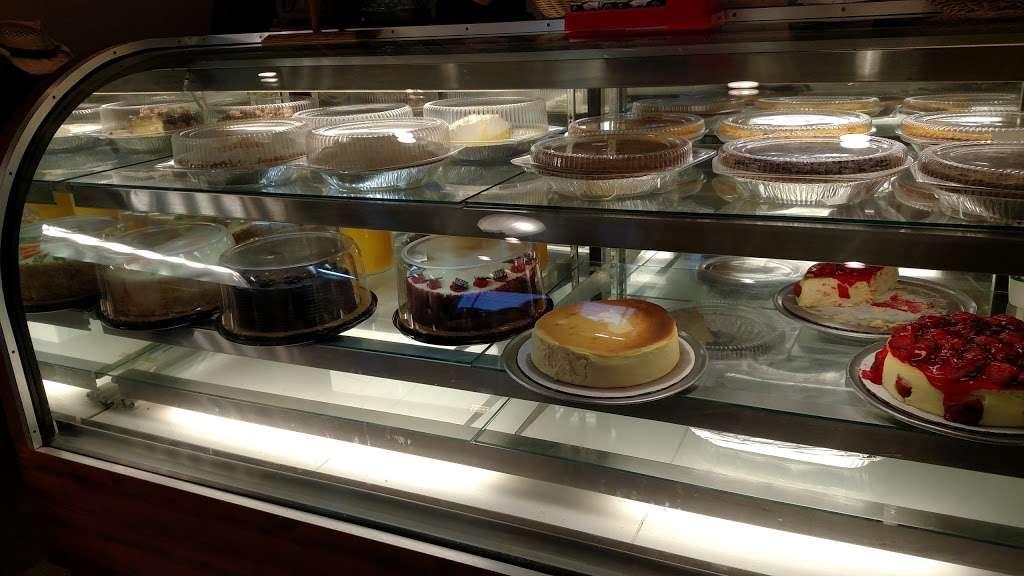 Paragon Restaurant - restaurant  | Photo 5 of 10 | Address: 1701 E 37th Ave, Hobart, IN 46342, USA | Phone: (219) 947-2440