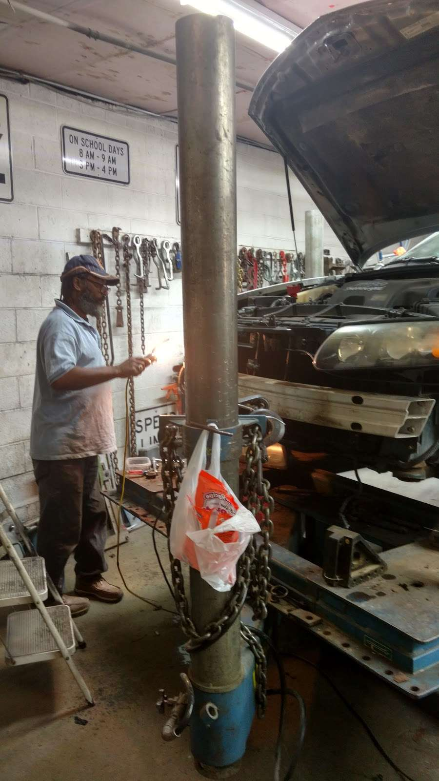 Lil Logans Collision - car repair    Photo 10 of 10   Address: 11815 S Halsted St, Chicago, IL 60628, USA   Phone: (773) 785-7425