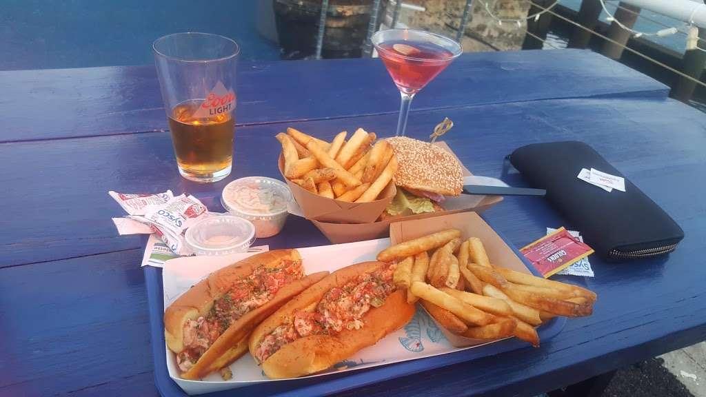 Surf City - restaurant  | Photo 10 of 10 | Address: 1 Marin Blvd, Jersey City, NJ 07302, USA | Phone: (201) 516-9000