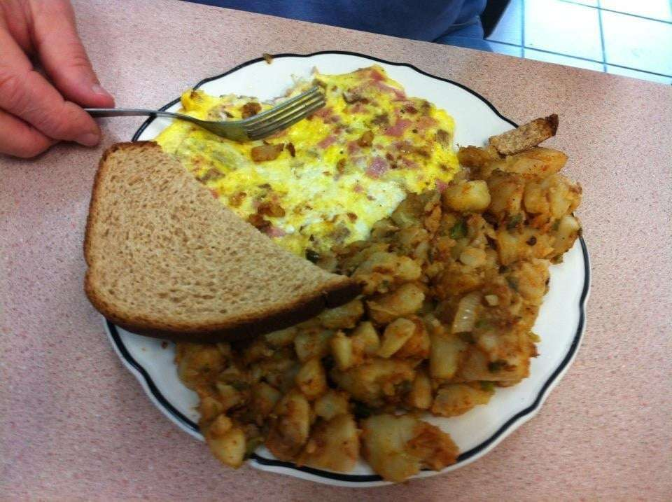 Deli King - meal delivery    Photo 8 of 10   Address: 238 W Lincoln Ave, Mt Vernon, NY 10550, USA   Phone: (914) 667-4047