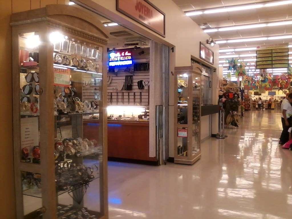 Supermercados El Bodegon - supermarket  | Photo 3 of 10 | Address: 4481 Lake Worth Rd, Lake Worth, FL 33461, USA | Phone: (561) 967-2177