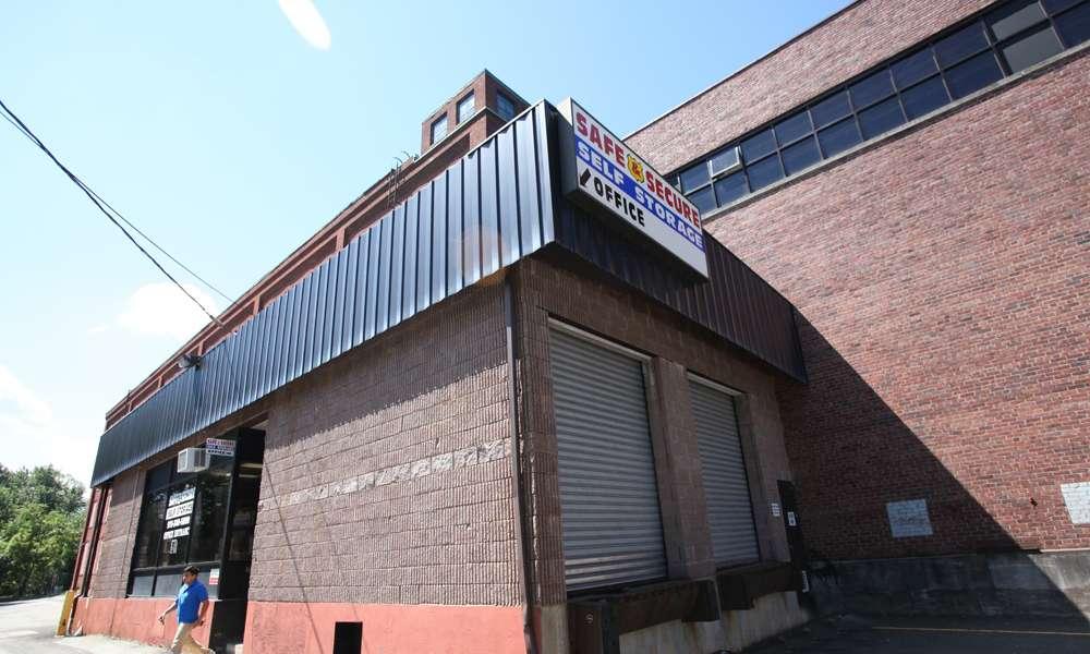 Safe and Secure Self Storage Garfield - storage  | Photo 3 of 10 | Address: 17, 141 Lanza Ave, Garfield, NJ 07026, USA | Phone: (973) 832-0041