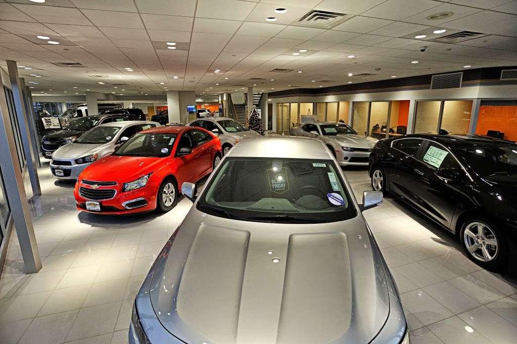Paramus Chevrolet - car repair  | Photo 5 of 10 | Address: 194 NJ-17, Paramus, NJ 07652, USA | Phone: (844) 678-4815