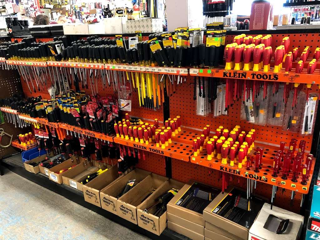 Tommy Tools - store  | Photo 9 of 10 | Address: 9006 Airport Blvd, Houston, TX 77061, USA | Phone: (713) 943-3527