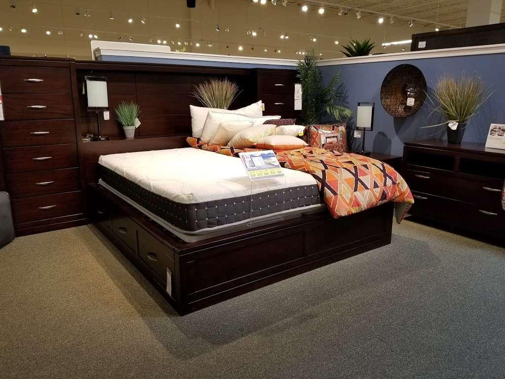 American Furniture Warehouse - furniture store  | Photo 6 of 10 | Address: 5801 N 99th Ave, Glendale, AZ 85305, USA | Phone: (602) 422-8800