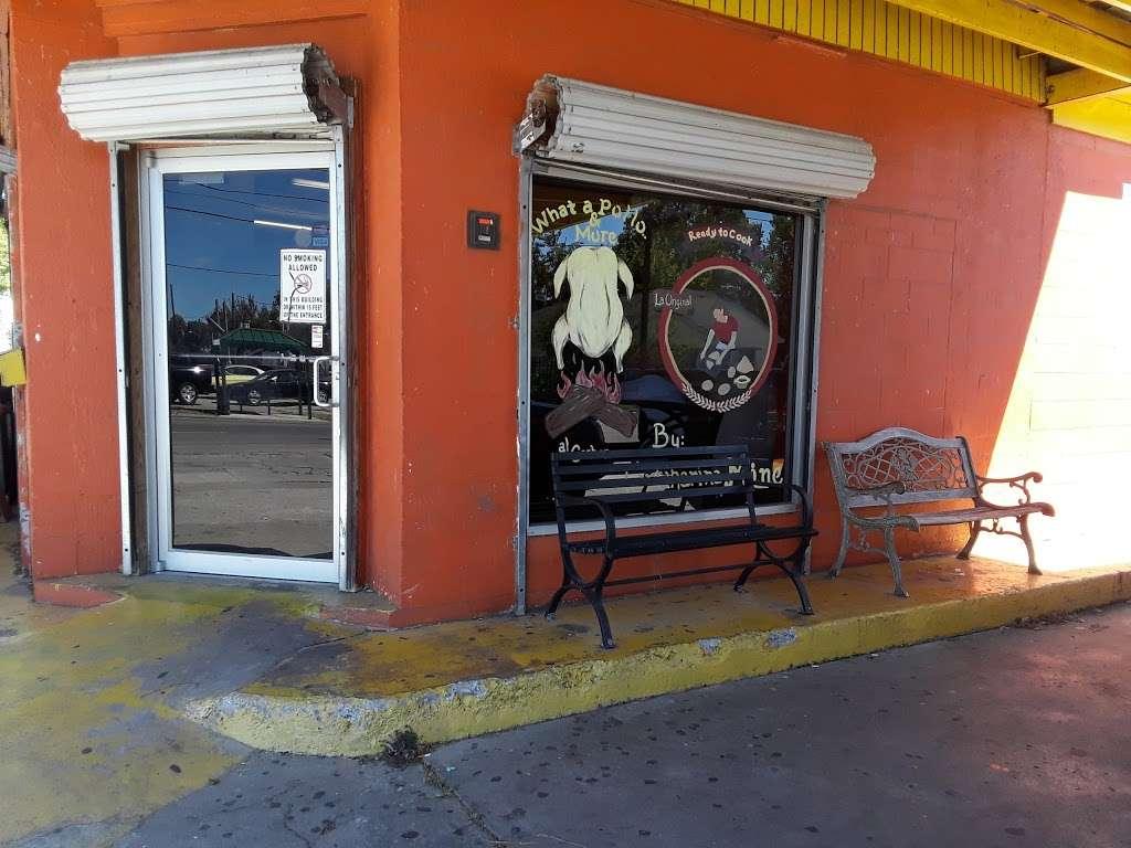WHATAPOLLO & MORE - restaurant  | Photo 3 of 10 | Address: 500 N Main St, Baytown, TX 77520, USA | Phone: (281) 420-0170