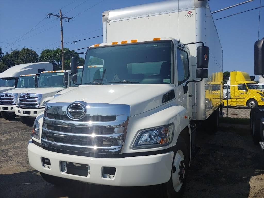 Kriete Truck Center - Milwaukee - car repair  | Photo 10 of 10 | Address: 4444 W Blue Mound Ct, Milwaukee, WI 53208, USA | Phone: (414) 258-8484