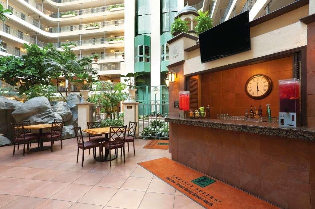 Embassy Suites by Hilton Santa Ana Orange County Airport - lodging  | Photo 5 of 10 | Address: 1325 E Dyer Rd, Santa Ana, CA 92705, USA | Phone: (714) 241-3800