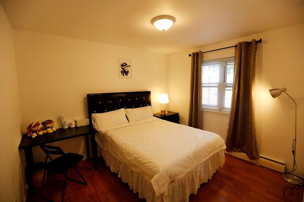 New York Guest House - lodging  | Photo 10 of 10 | Address: 02, 133-02 41st Ave, Flushing, NY 11355, USA | Phone: (929) 427-6666