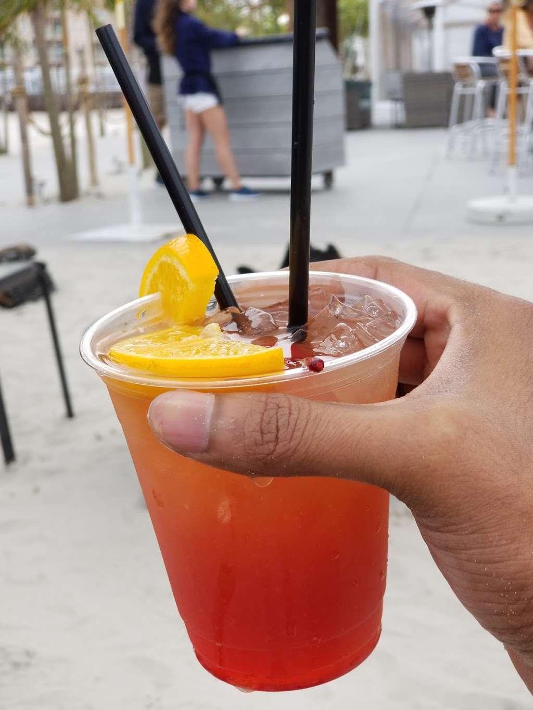 The Star Beach Bar - NJ Beach Bar - restaurant  | Photo 4 of 10 | Address: 402 E Rochester Ave, Wildwood, NJ 08260, USA | Phone: (609) 224-1124