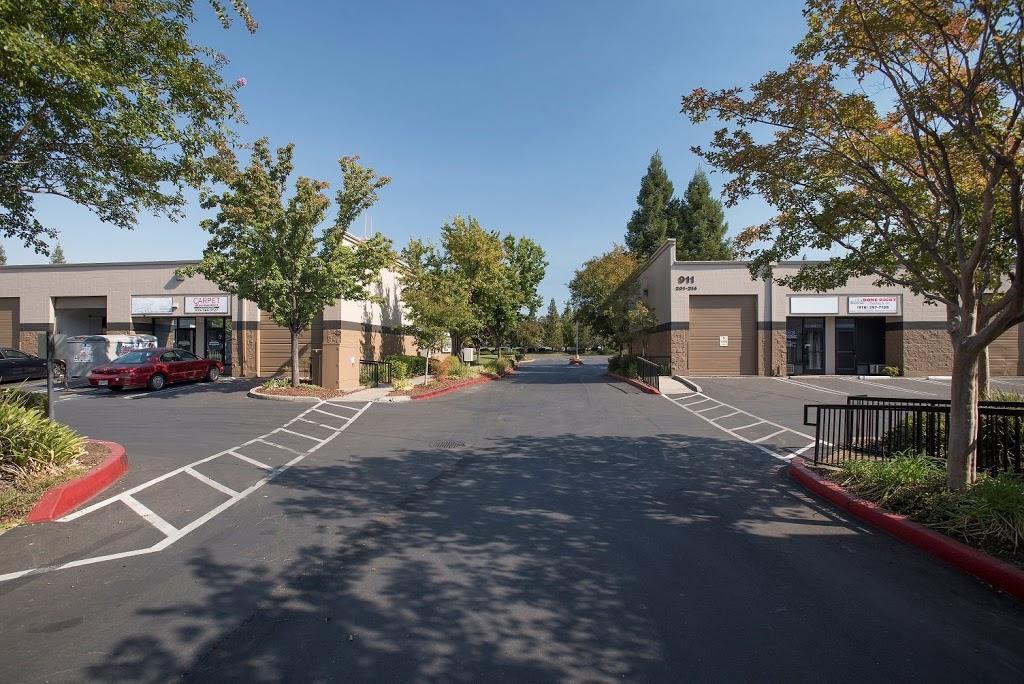 Roseville Bus Park Leasing Office - real estate agency  | Photo 6 of 10 | Address: 951 Washington Blvd, Roseville, CA 95678, USA | Phone: (916) 781-3566