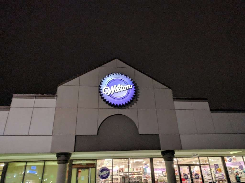Wilton Baking Supply Store - store  | Photo 4 of 10 | Address: 7511 Lemont Rd, Darien, IL 60561, USA | Phone: (630) 985-6000