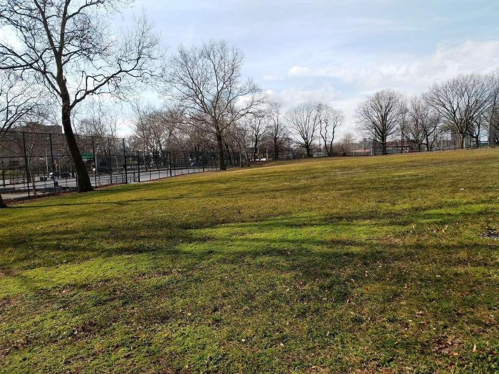 Noble Playground - park  | Photo 2 of 10 | Address: 3101, 1541 Bronx River Ave, Bronx, NY 10460, USA | Phone: (212) 639-9675