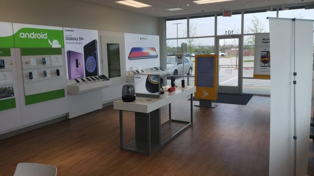 Sprint Store - store  | Photo 2 of 4 | Address: 8480 TX-121 Ste 101, McKinney, TX 75070, USA | Phone: (214) 586-0117