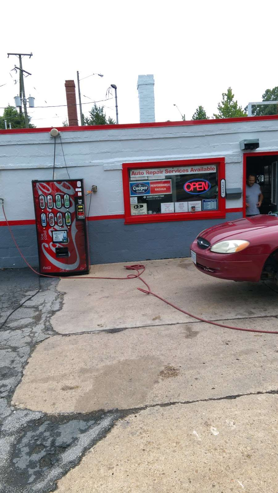 Mikes Tire Center - car repair  | Photo 1 of 10 | Address: 1217 1/2 Lafayette Blvd, Fredericksburg, VA 22401, USA | Phone: (540) 373-0779