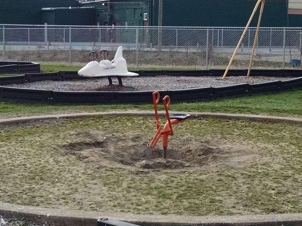 Playfield Park - park  | Photo 5 of 10 | Address: 12804 W Playfield Dr, Midlothian, IL 60445, USA