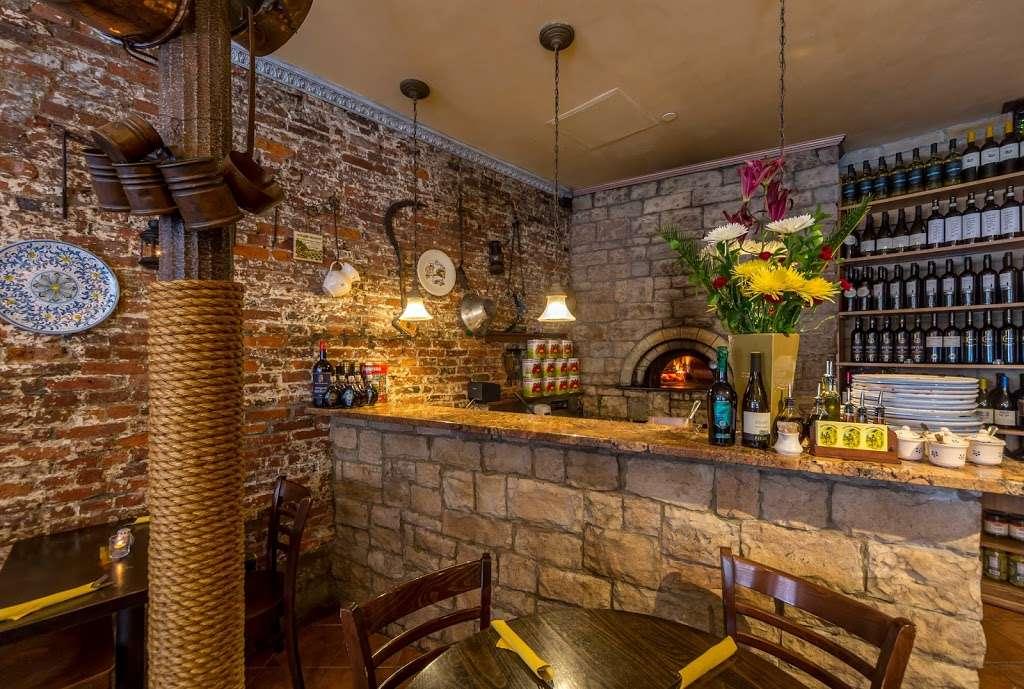 Il Brigante - restaurant  | Photo 5 of 10 | Address: 214 Front St, New York, NY 10038, USA | Phone: (212) 285-0222