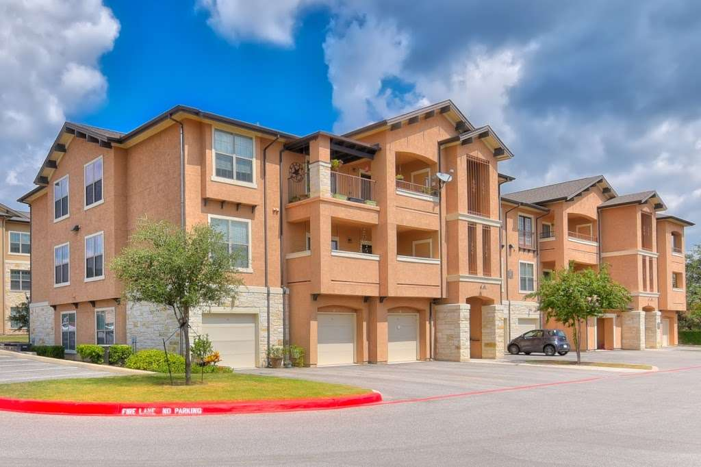 Mission Hills Apartments - real estate agency  | Photo 6 of 10 | Address: 1202 Evans Rd, San Antonio, TX 78258, USA | Phone: (210) 497-5353