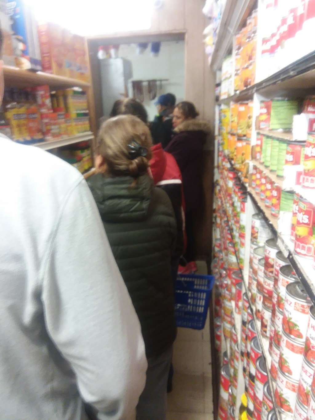 La Flor Grocery Store - store  | Photo 5 of 9 | Address: 10500 S Ave M, Chicago, IL 60617, USA | Phone: (773) 731-9390