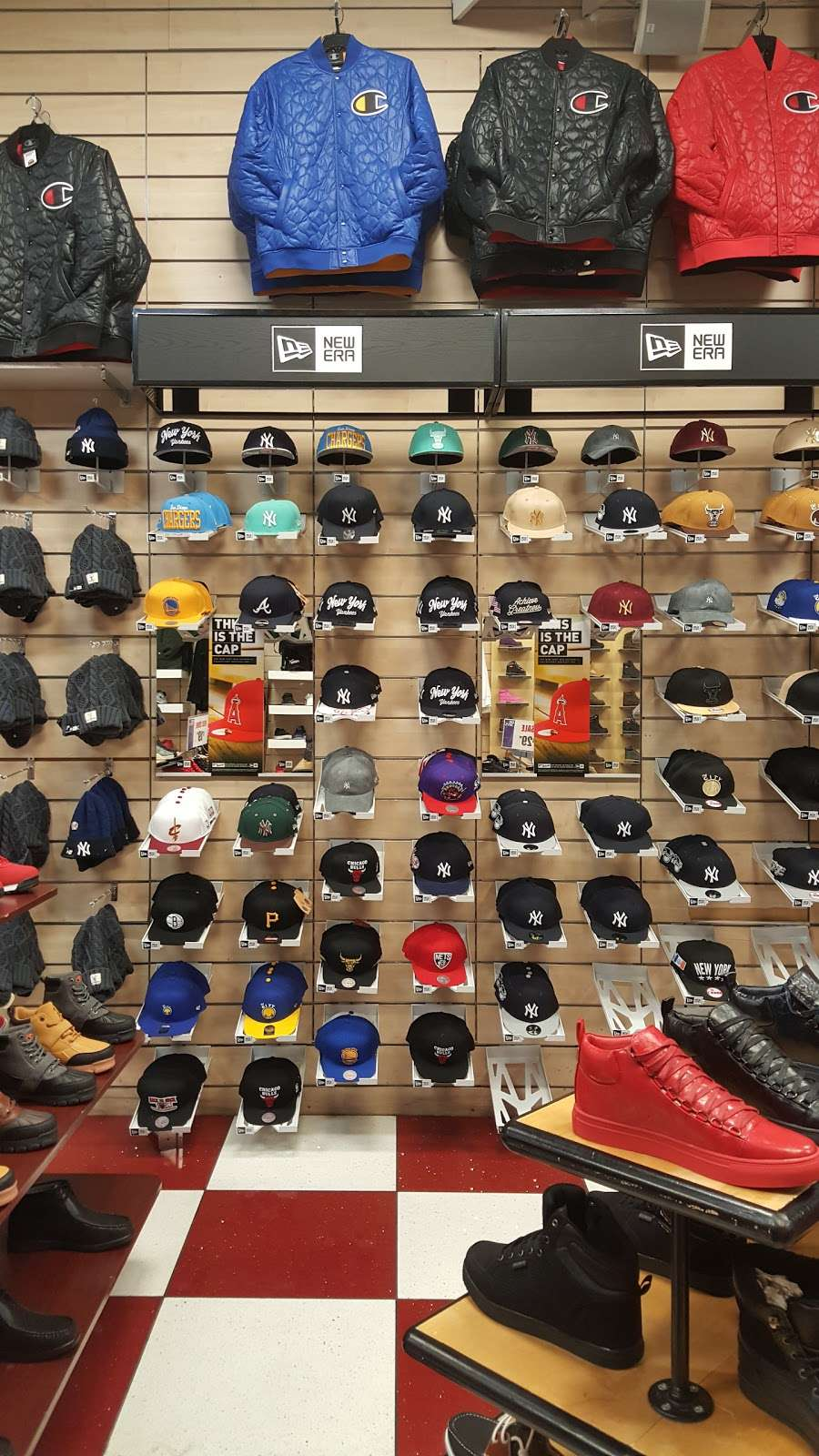 Dr Jays - clothing store  | Photo 7 of 10 | Address: 215 E Fordham Rd, The Bronx, NY 10458, USA | Phone: (718) 220-3354