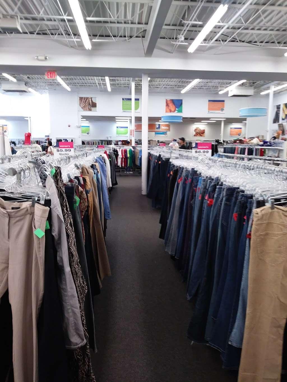 Goodwill Retail Store & Donation Center - clothing store    Photo 7 of 10   Address: 9960 Main Street, Fairfax, VA 22031, USA   Phone: (703) 349-1806