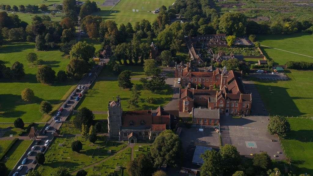 Carew Academy - school  | Photo 4 of 4 | Address: Church Rd, Wallington SM6 7NH, UK | Phone: 020 8647 8349