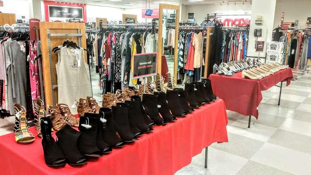 T.J. Maxx - department store  | Photo 4 of 10 | Address: 21 Mill Creek Dr, Secaucus, NJ 07094, USA | Phone: (201) 866-6279