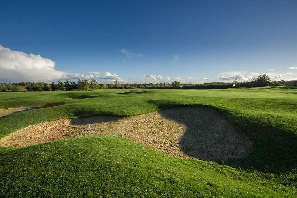 Stapleford Abbotts Golf Club - health    Photo 8 of 10   Address: Horsemanside, Tysea Hill, Romford RM4 1JU, UK   Phone: 01708 381108