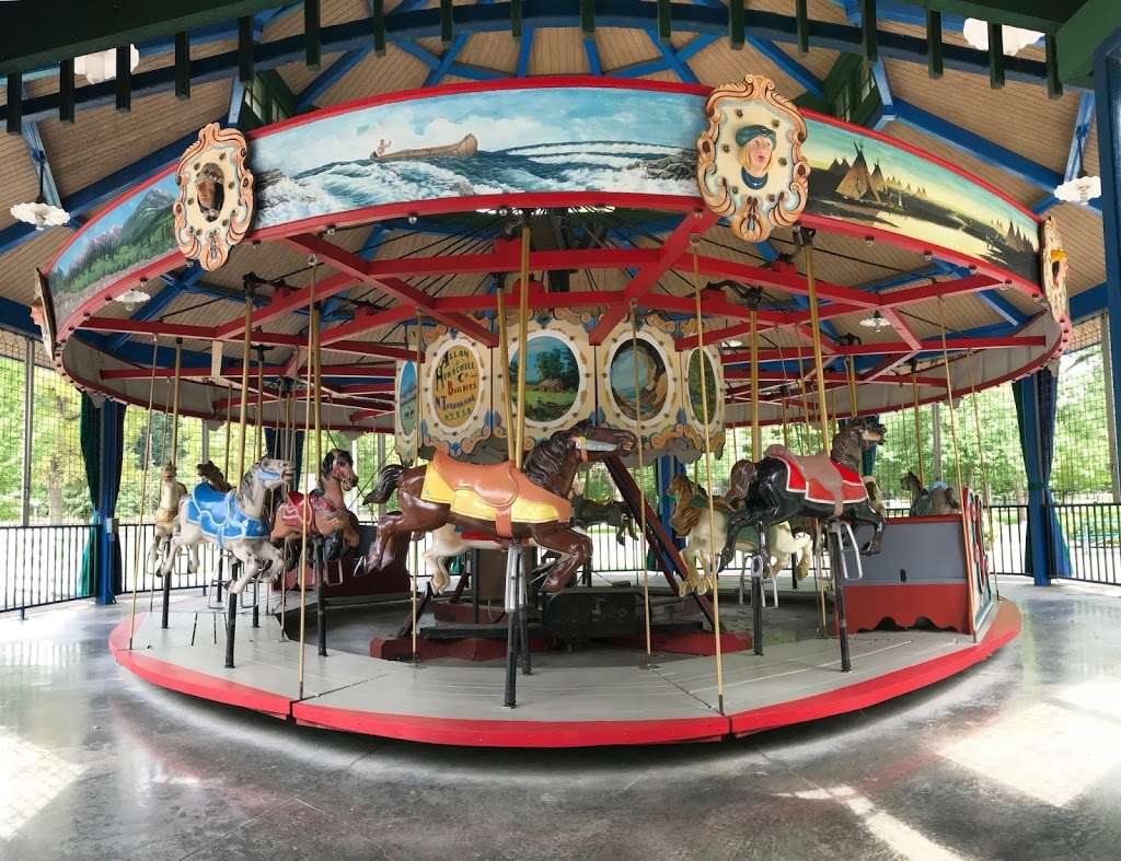 Forest Park Carousel and Mini Golf Course - amusement park  | Photo 2 of 3 | Address: 701 Cicero Rd, Noblesville, IN 46060, USA | Phone: (317) 776-6350