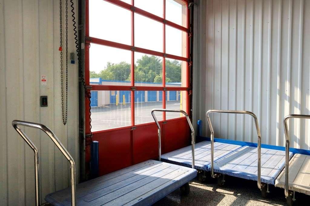ezStorage - storage    Photo 2 of 10   Address: 1010 Crain Hwy, Bowie, MD 20716, USA   Phone: (301) 249-4840