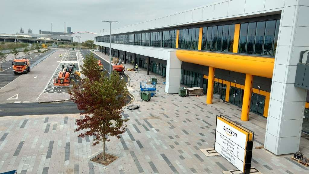 Amazon UK Services Ltd. Tilbury - LCY2 - storage  | Photo 4 of 10 | Address: London Distribution Park, Windrush Rd, Tilbury RM18 7AN, UK | Phone: 07482 247503