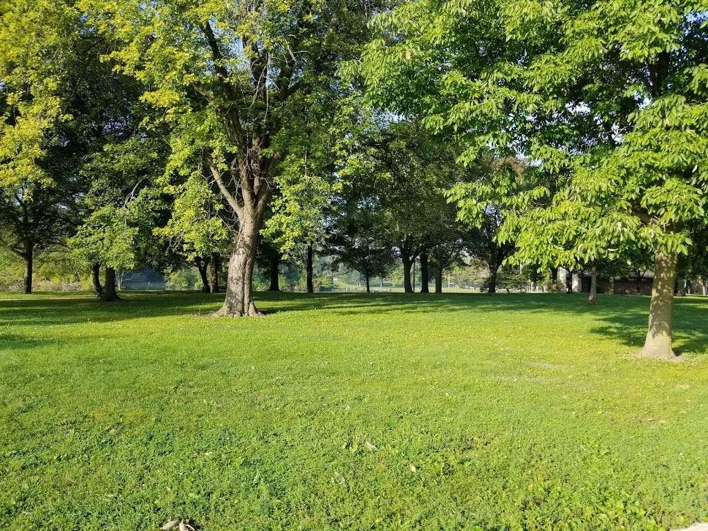 Jackson Park - park  | Photo 8 of 10 | Address: 3500 W Forest Home Ave, Milwaukee, WI 53215, USA | Phone: (414) 257-7275
