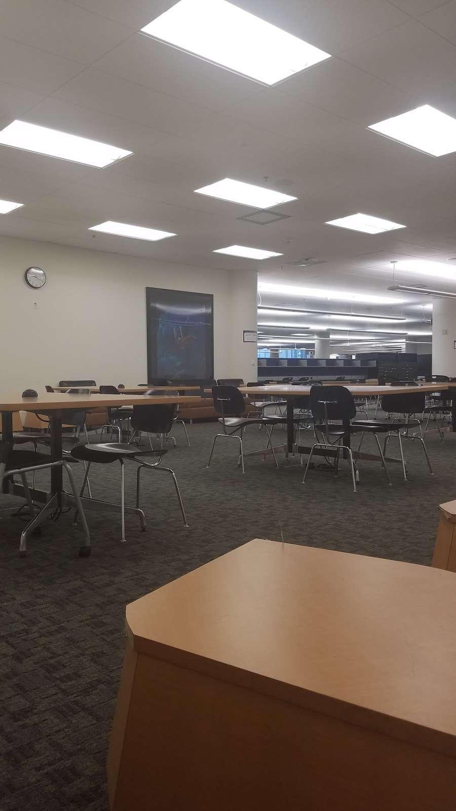Orange Coast College Library - library  | Photo 2 of 3 | Address: Costa Mesa, CA 92626, USA | Phone: (714) 432-5885