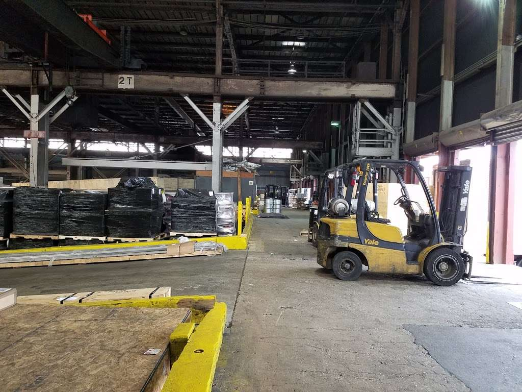 Harbor Freight Transport Corporation - moving company  | Photo 9 of 10 | Address: 301 Craneway St, Newark, NJ 07114, USA | Phone: (973) 589-6700