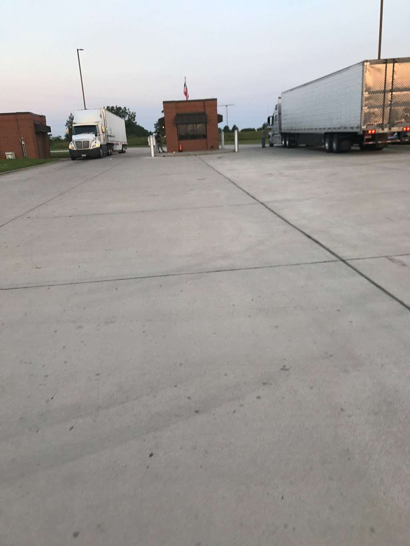 ALDI Distribution Center - storage  | Photo 8 of 10 | Address: 10505 KS-7, Olathe, KS 66061, USA | Phone: (913) 768-1119