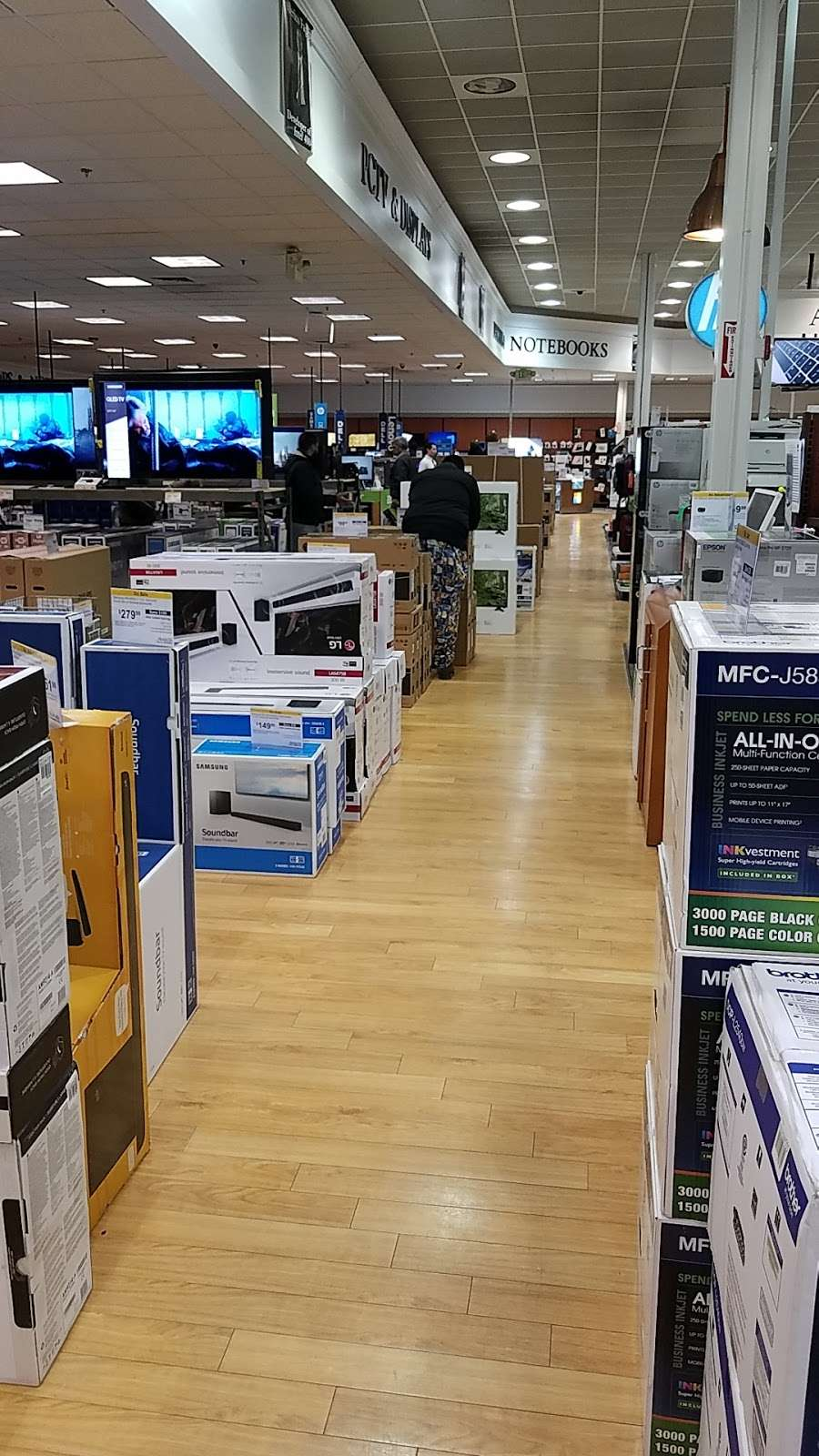 Micro Center - electronics store  | Photo 6 of 10 | Address: 750-A Central Park Ave, Yonkers, NY 10704, USA | Phone: (914) 595-3020