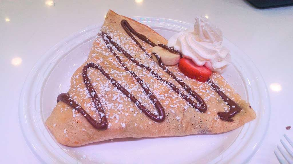 Yogurt La Crêpe - restaurant  | Photo 3 of 10 | Address: 2902 Ditmars Blvd, Astoria, NY 11102, USA | Phone: (917) 832-6930