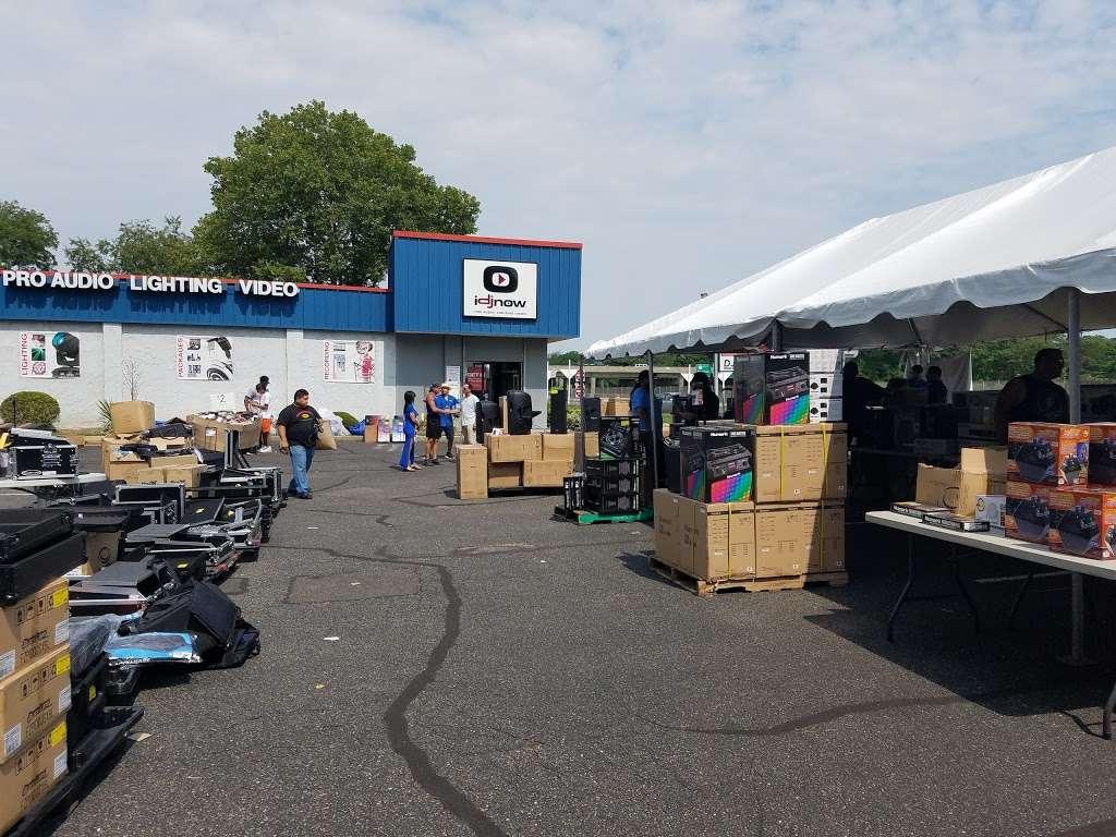 I DJ NOW - electronics store  | Photo 4 of 10 | Address: 1015 Sunrise Hwy, West Babylon, NY 11704, USA | Phone: (631) 321-1700